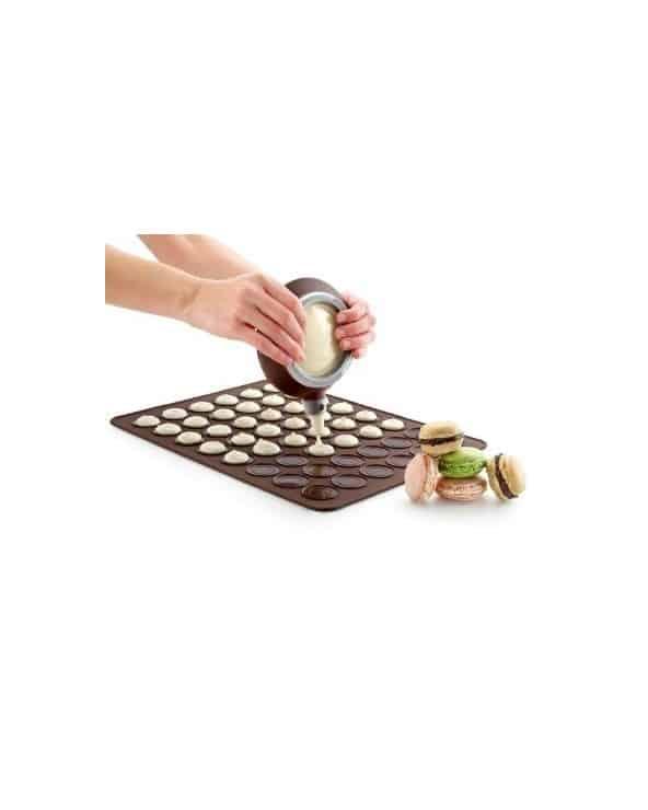 Tapis à macarons Lékué 30 cm par 40 cm soit 48 alvéoles