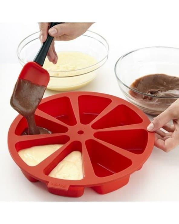 Moule en silicone rouge pour 8 parts de cake Lékué